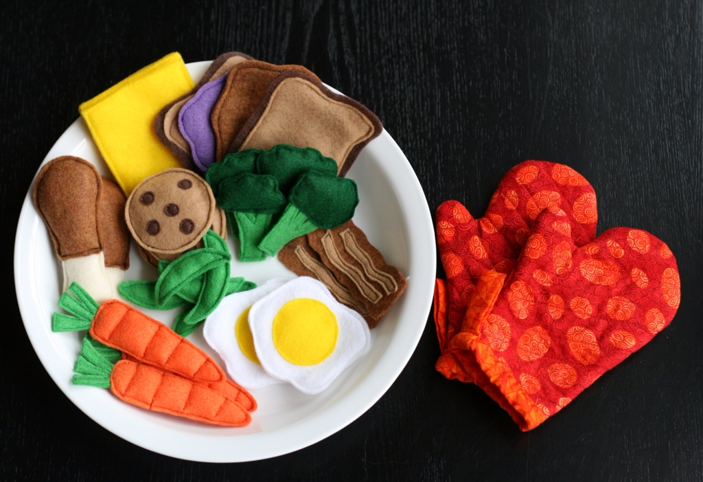 Felt Food Frenzy | Lemonwood Clock